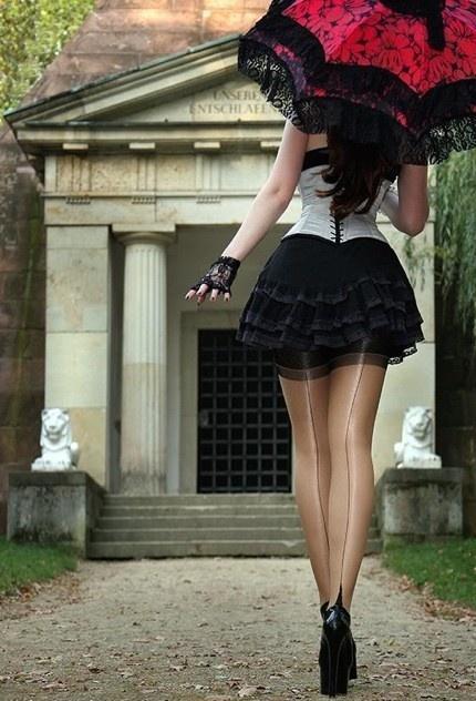 Фото девушек в чулках в юбках 82183 фотография
